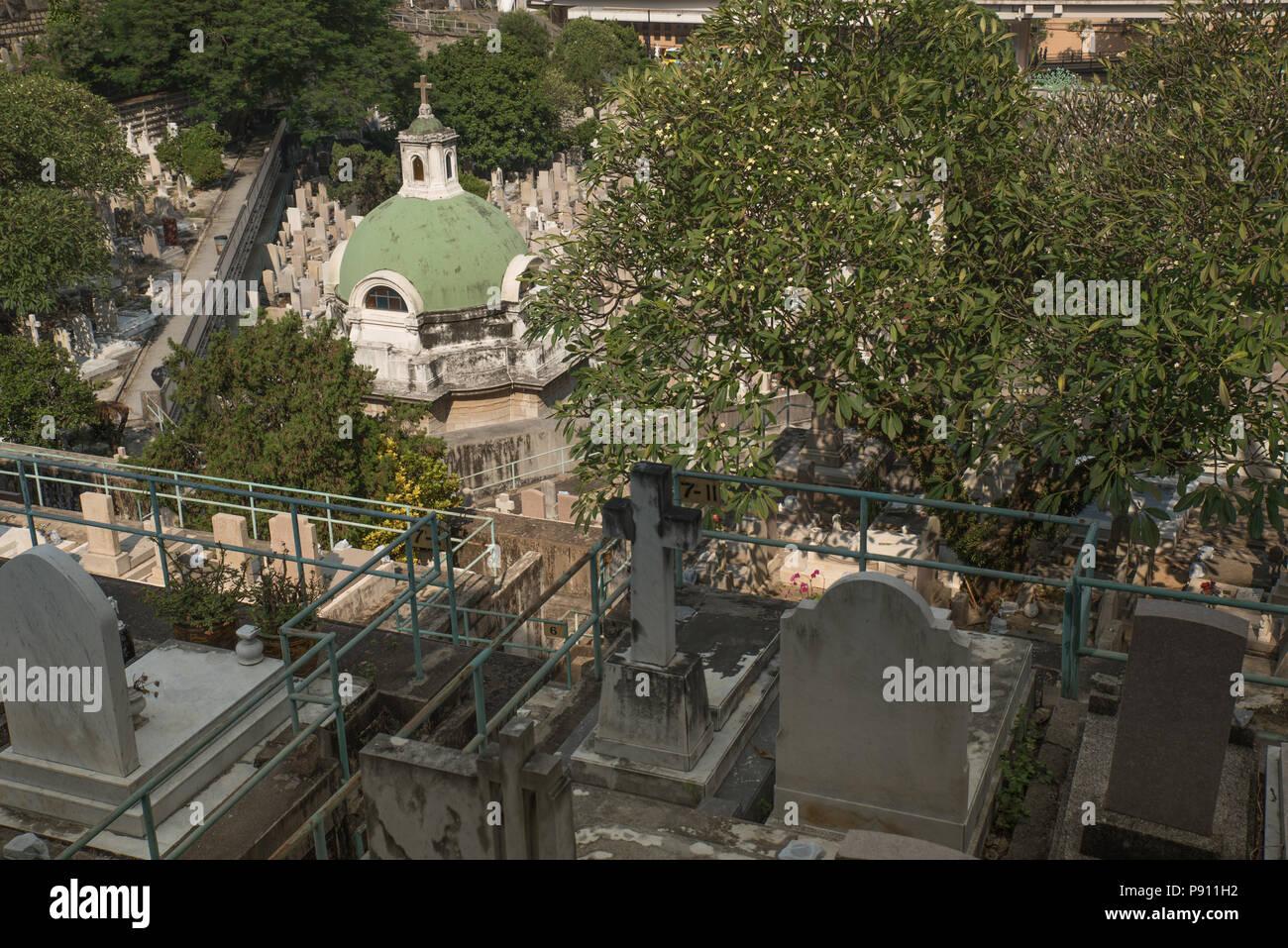Cimitero di Hong Kong downtown sulla giornata di sole Immagini Stock
