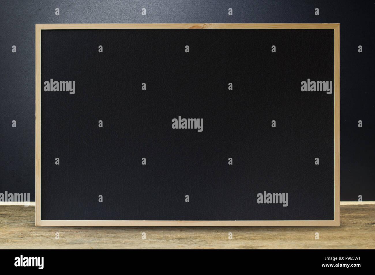 Come Pulire Parete Lavagna pulire la lavagna nera texture con telaio in legno sulla
