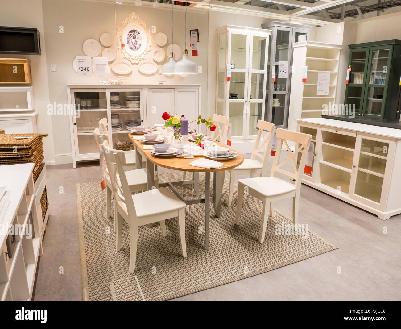 Sala da pranzo mobili a Ikea, REGNO UNITO Foto & Immagine Stock ...