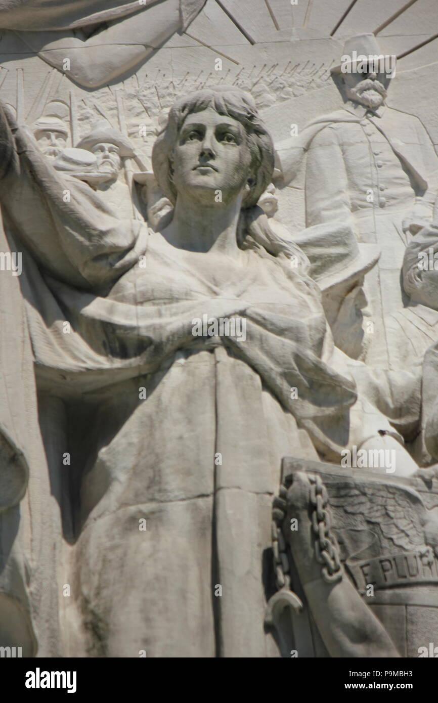 Scena da soldati e marinai monumento in Monument Circle in Indianapolis, Indiana. Immagini Stock