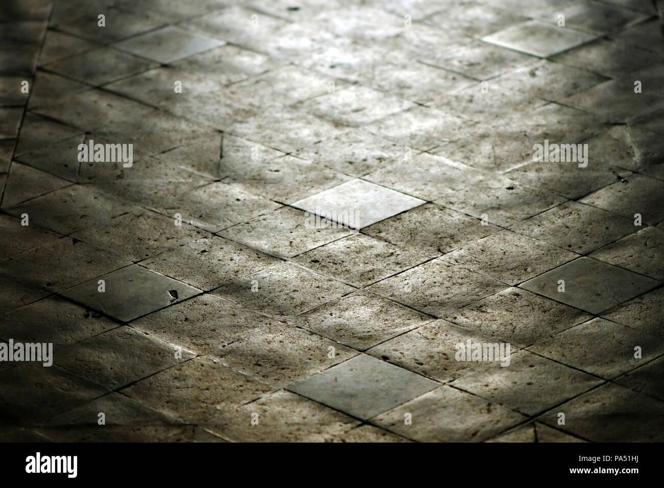 Cava vittoriano piastrelle per pavimento in una chiesa di un