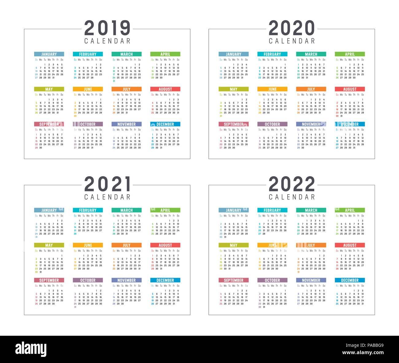 Set di minimalista calendari colorati, anni 2019 2020 2021 2022, settimane  inizio Domenica, su sfondo bianco - modelli di vettore Immagine e  Vettoriale - Alamy