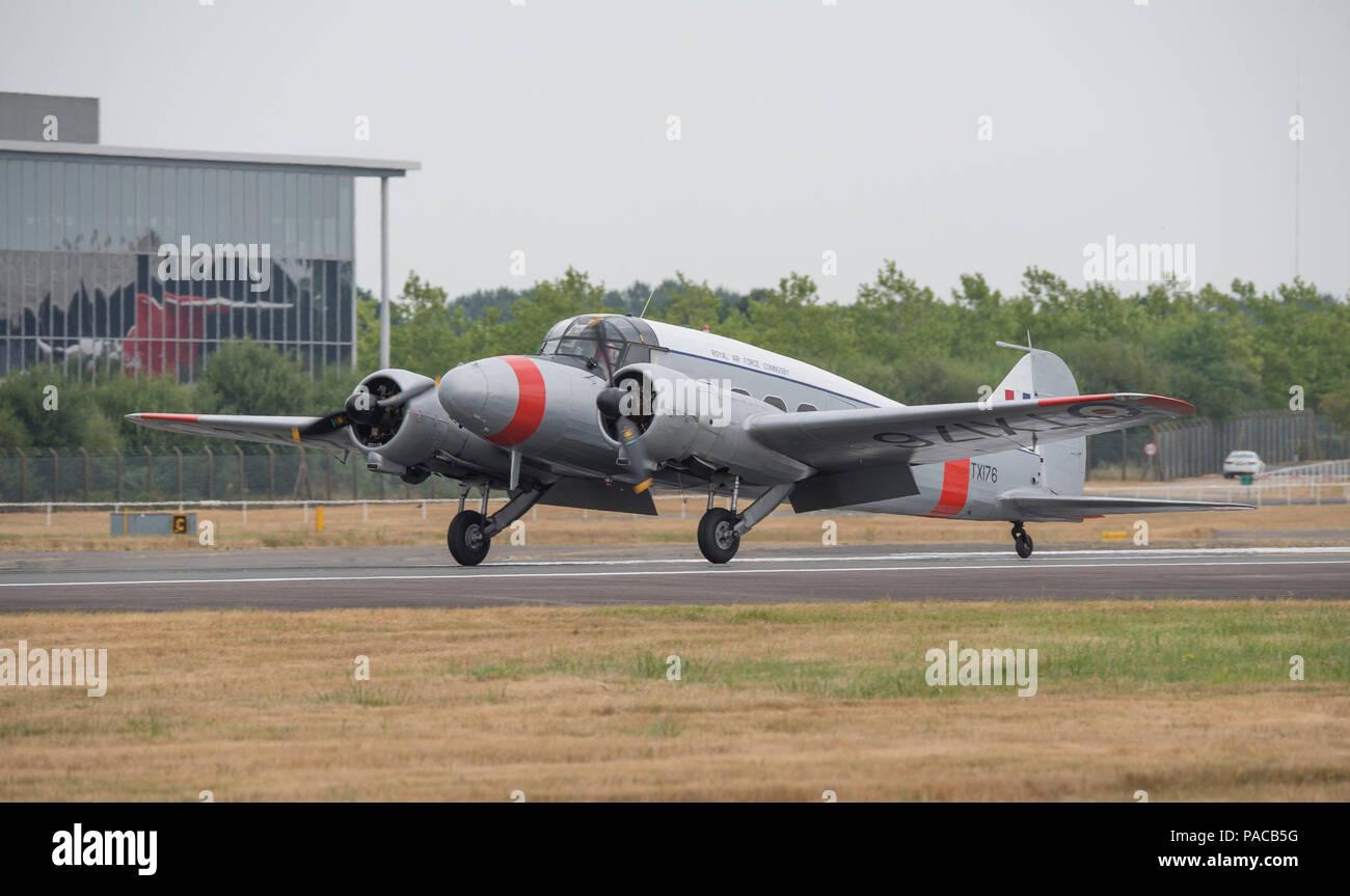 Farnborough, Regno Unito. Il 20 luglio 2018. Aeroplani storici arrivano a Farnborough per il 2018 airshow di pubblico. Immagini Stock