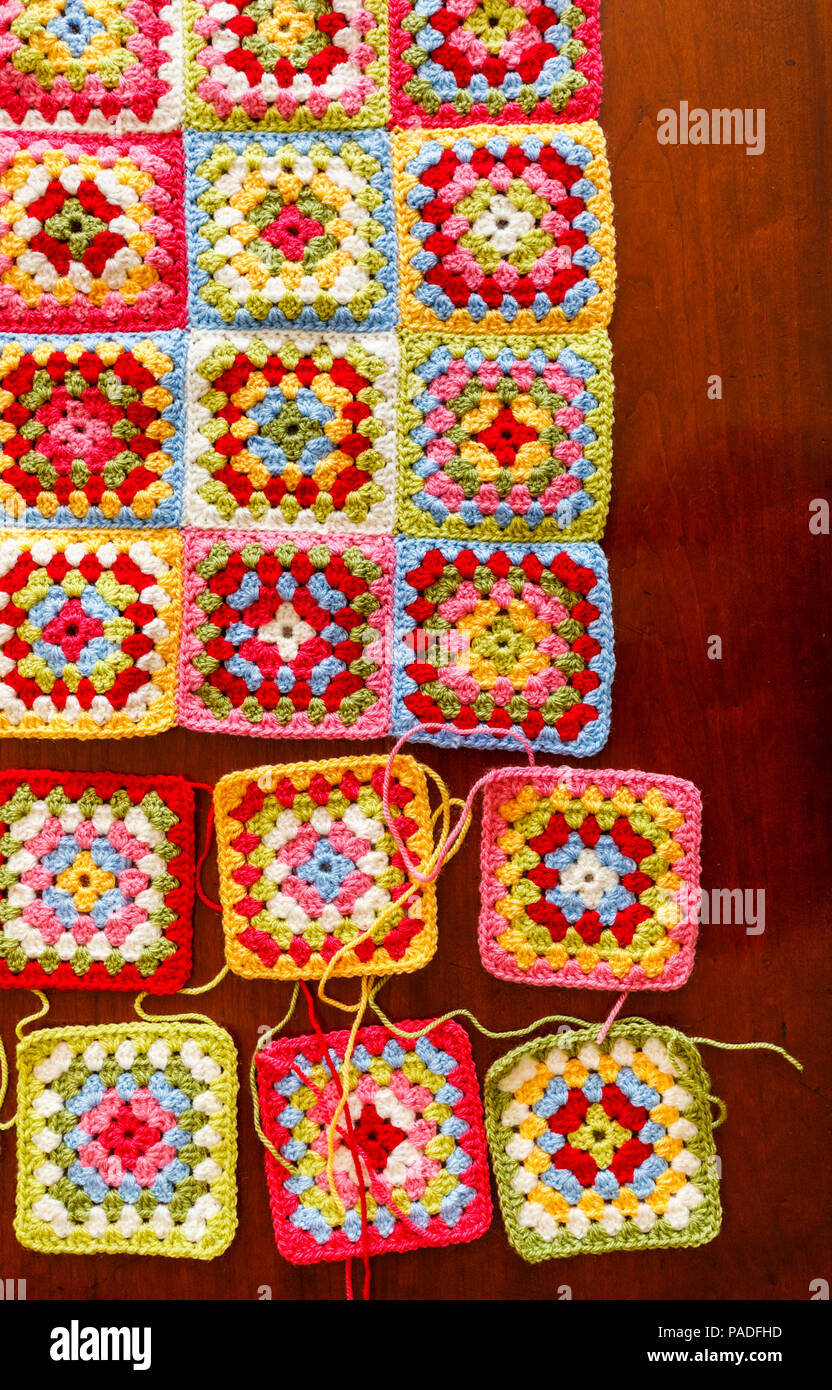 Vivacemente Colorato Granny Square Lana Per Bambini Coperta