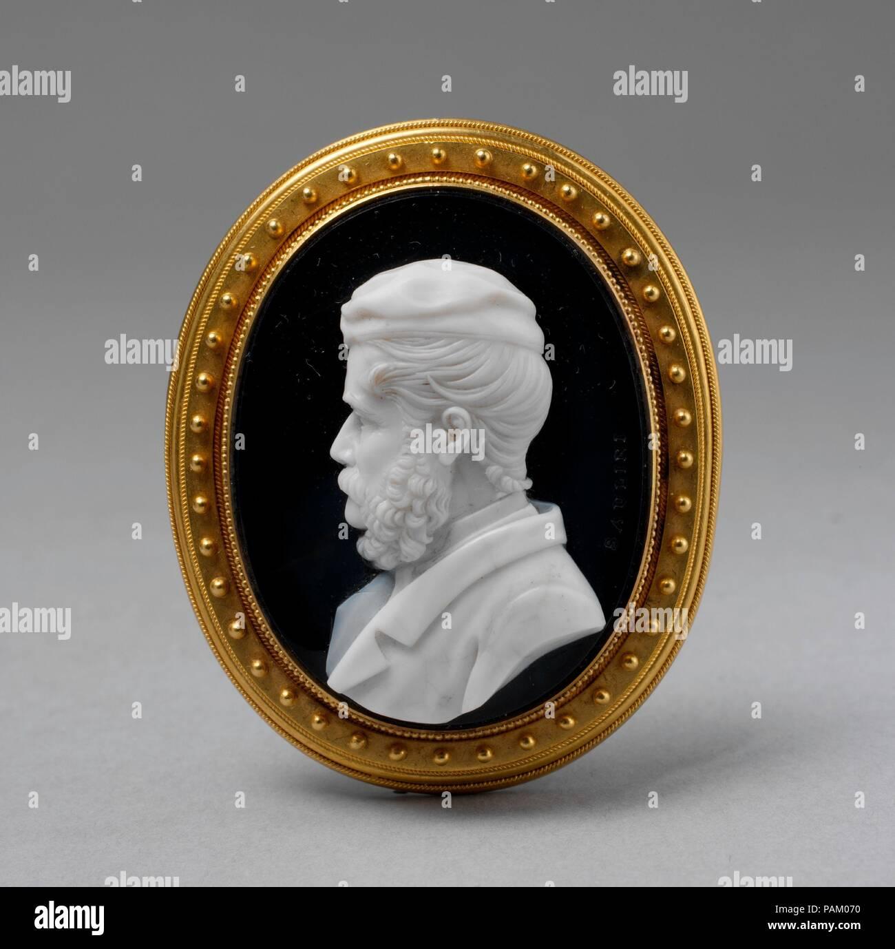 8e60c3682 Busto di un uomo barbuto in un cappuccio. Artista  Luigi Saulini (Italiano
