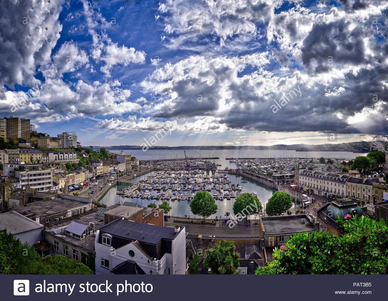 GB - DEVON: Torquay porto e città (immagine HDR) Immagini Stock