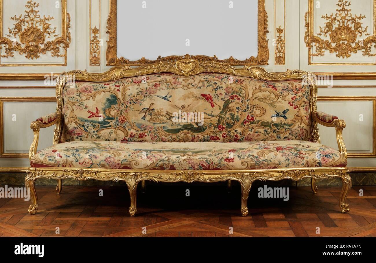 Quattro pannelli di rivestimento per un divano. Cultura: francese, presso lo stabilimento di Beauvais. Progettista: Jean-Baptiste Oudry (francese, Parigi Beauvais 1686-1755). Dimensioni: .a) H. 28 x W. 82 a. (Circa) (71,1 x 208.3 cm); .b) H. 36 x W. 92 a. (Circa) (91,4 x 233,7 cm); .c, .d) H. 15 x W. 17 a. (Circa) (38,1 x 43,2 cm). Fabbrica di Beauvais. Il direttore di fabbrica: tessuto sotto la direzione di Giovanni Battista Oudry (francese, Parigi Beauvais 1686-1755); e André Charlemagne Charron (francese, attivo 1754-80). Data: 1754-56. Museo: Metropolitan Museum of Art di New York, Stati Uniti d'America. Immagini Stock