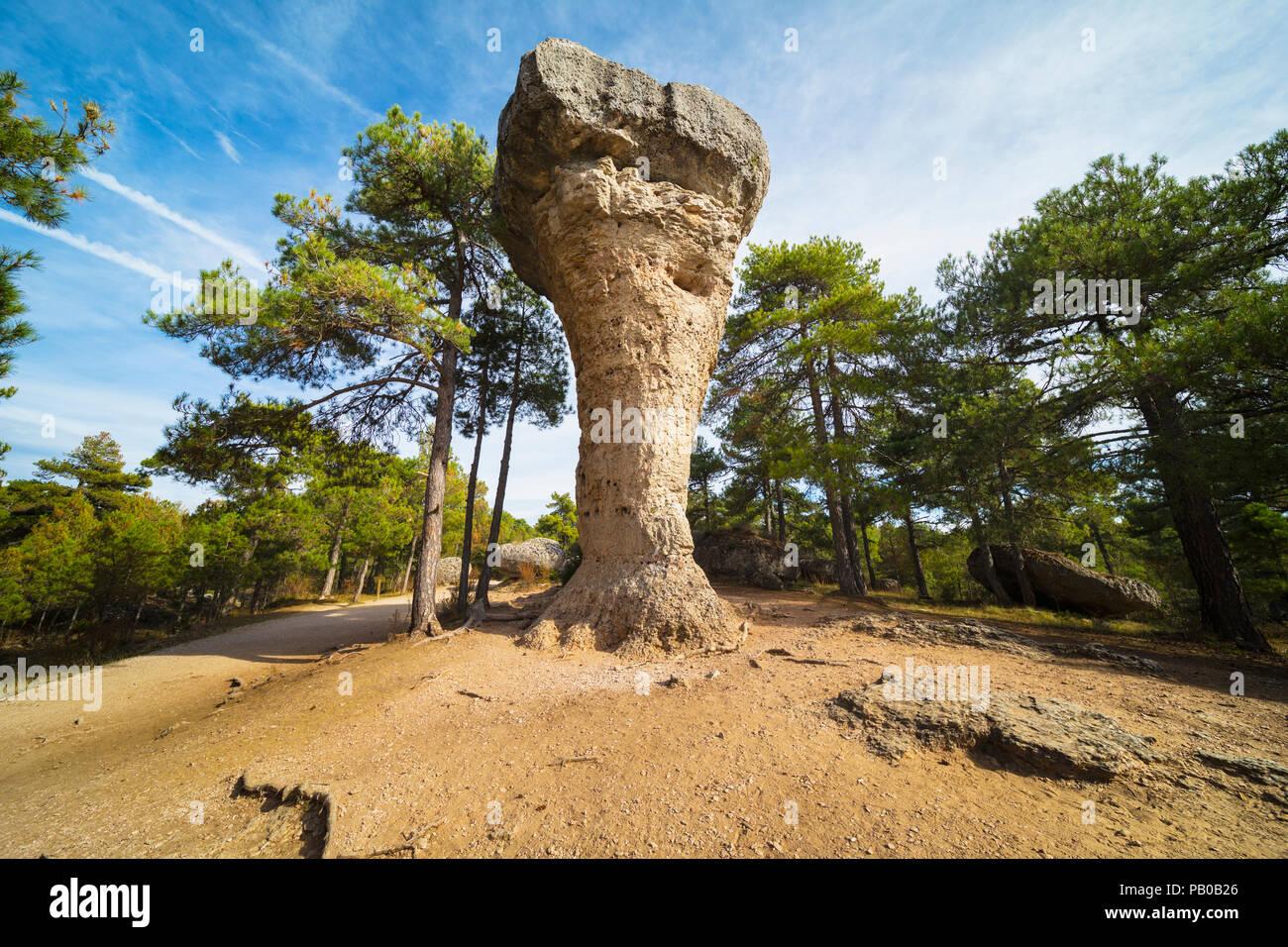 Ciudad Encantada, Provincia Cuenca, Castilla-La Mancha, in Spagna. Roccia carsica di formazione. Questo uno, chiamato El Tormo Alto, è un simbolo della Ciudad Enca Immagini Stock