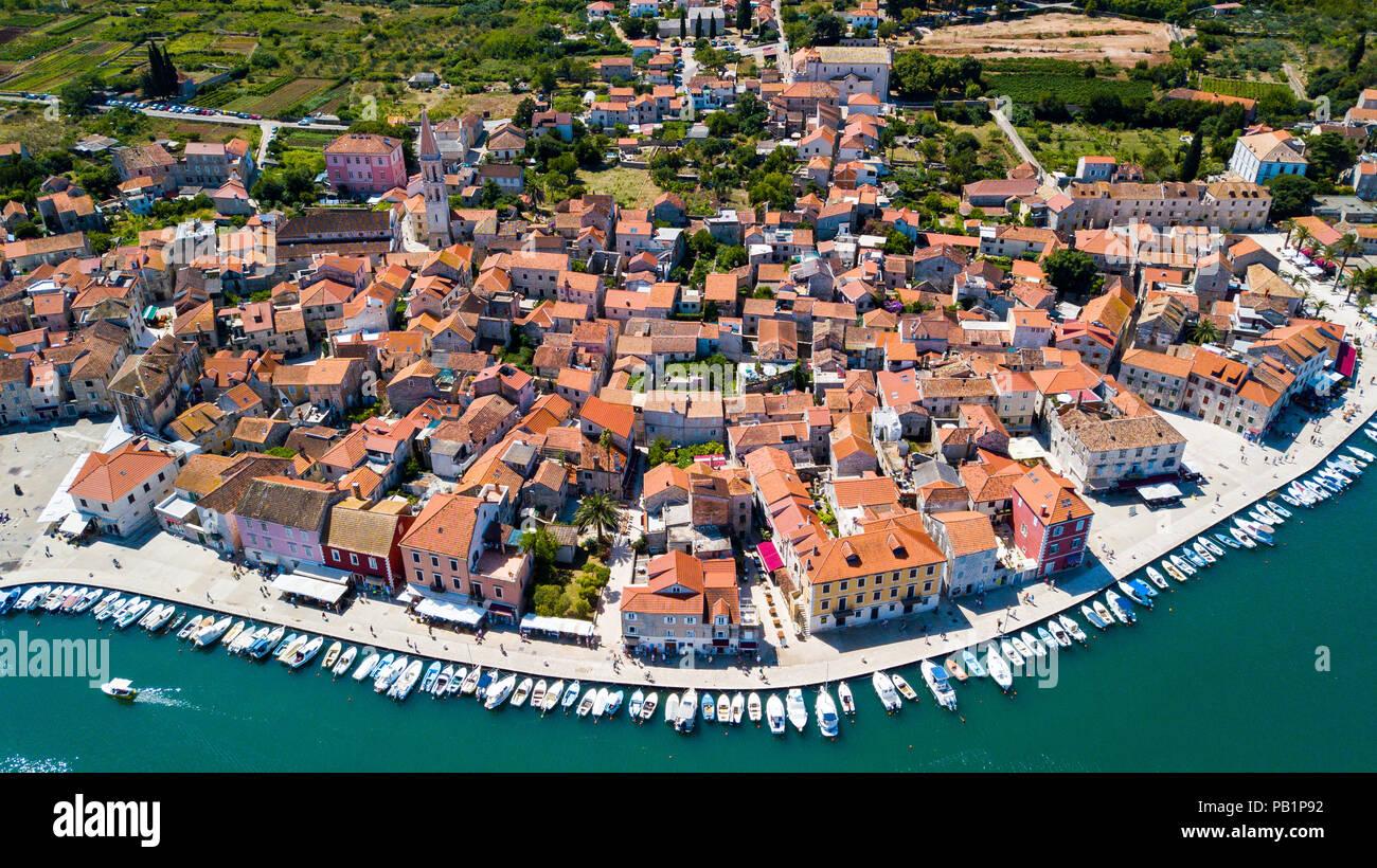 Vista aerea della Città Vecchia di Stari Grad, Isola di Hvar, Croazia Immagini Stock