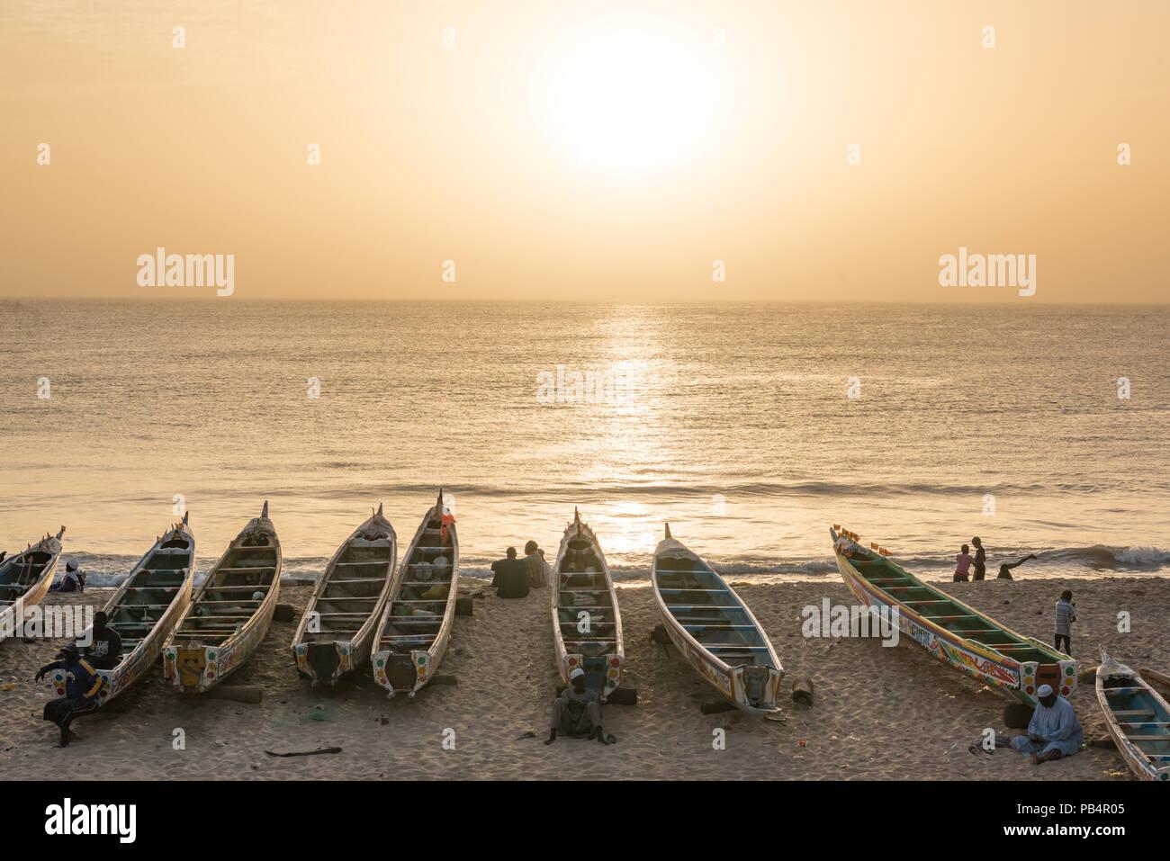 Tramonto sulla spiaggia di Toubab Dialao, Senegal Immagini Stock