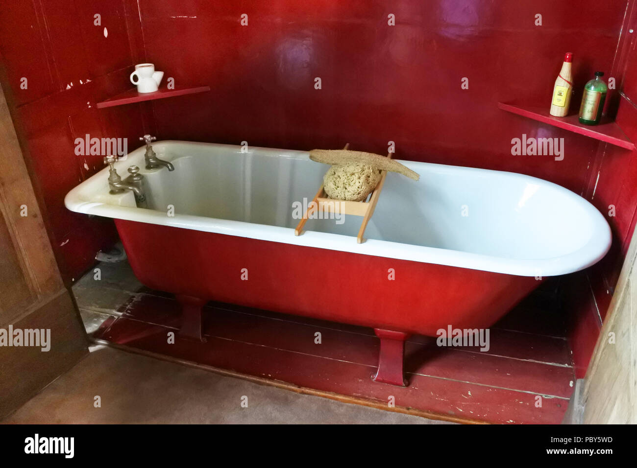 Bagno Stile Naturale : Una ricostruzione di uno stile vittoriano bagno con loofah e