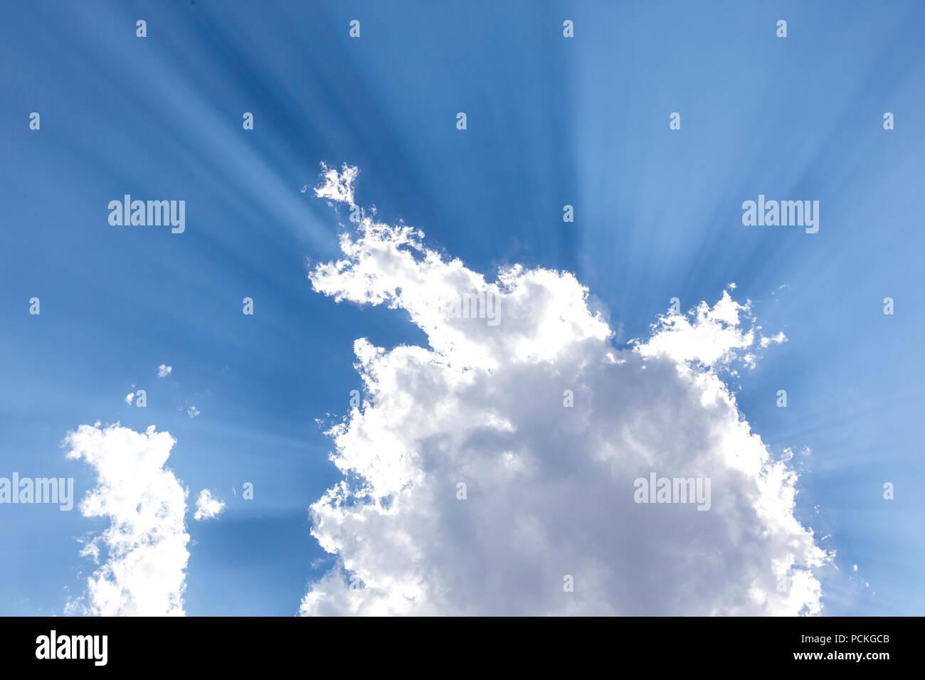 Cielo blu e nuvole, Big Sky Country, Montana, USA Immagini Stock