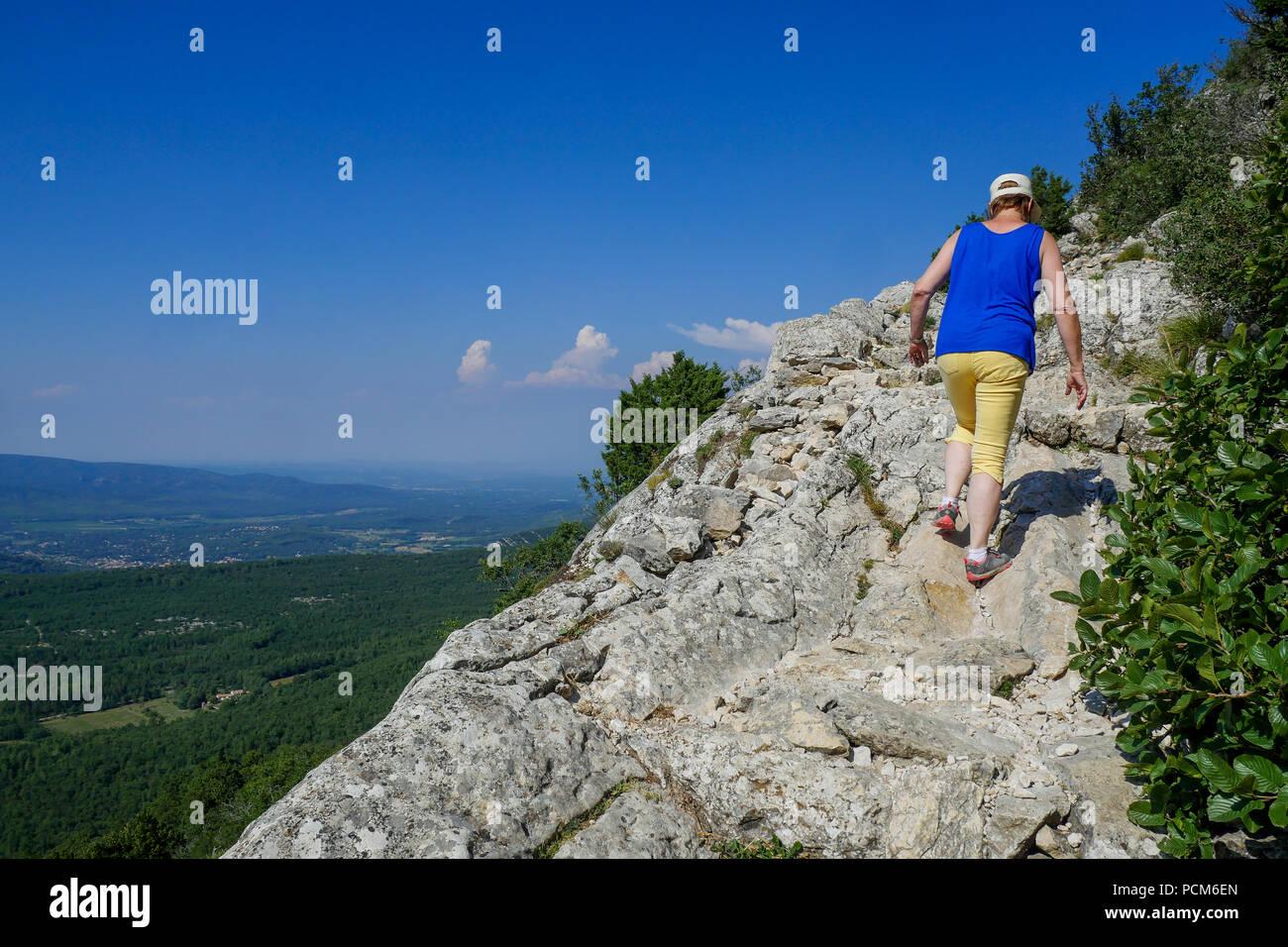 Escursioni in montagna, Sainte-Baume, Var, Francia Immagini Stock