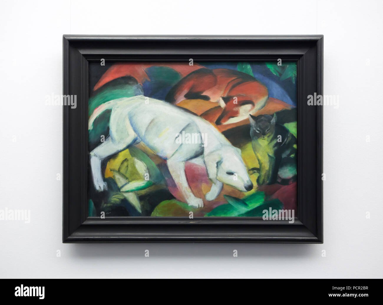 Dipinto 'tre animali' ('Dog, Fox e Cat') del tedesco pittore espressionista Franz Marc (1912) sul display nella Kunsthalle di Mannheim in Mannheim, Baden-Württemberg, Germania. Immagini Stock