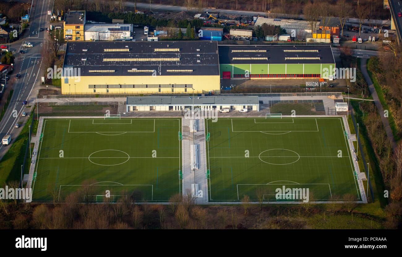 Campi sportivi, allenamento calcio piazzole, di erba artificiale impianto sportivo Hardenbergstraße Heißen, Mülheim an der Ruhr, la zona della Ruhr, Nord Reno-Westfalia, Germania Immagini Stock