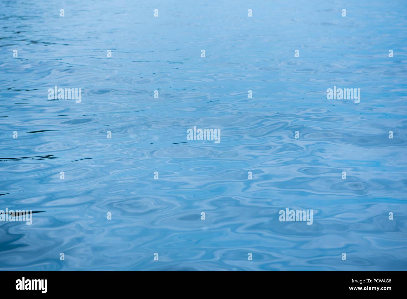 Mare Blu Sullo Sfondo Di Acqua Sfondo Foto Immagine Stock