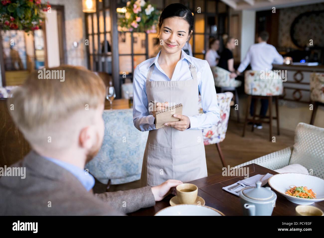 Business lunch presso il cafe Immagini Stock