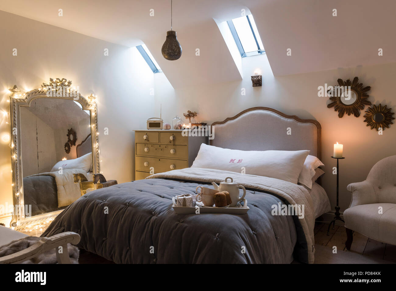 Camera Per Ospiti : Grande specchio francese in camera per ospiti con piuma black