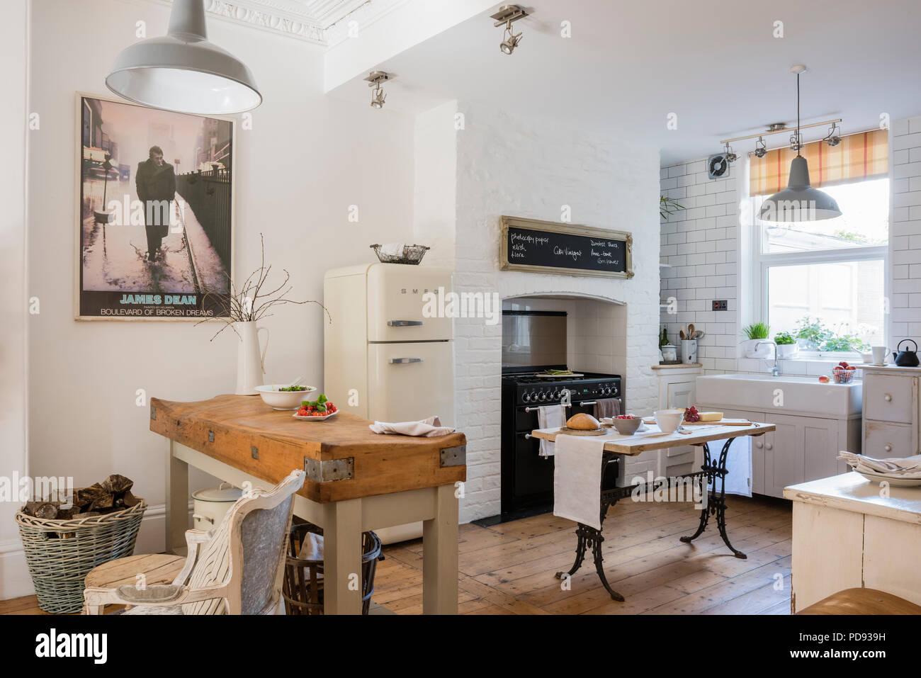 Cucina, stile rustico con un contemporaneo / bordo industriale ...