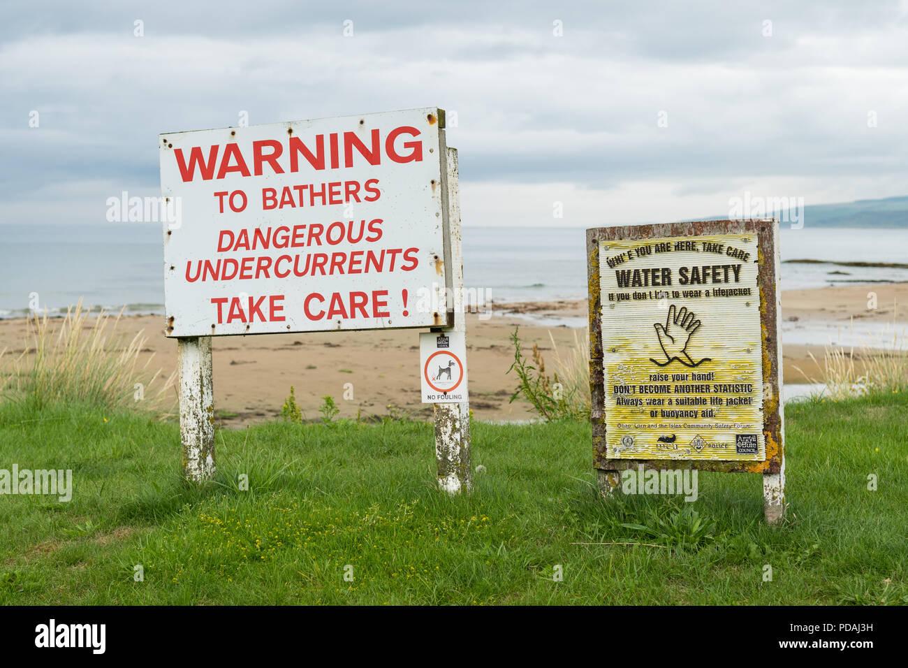Avvertenza per i bagnanti pericoloso le sottocorrenti segno segni di Machrihanish Bay, Argyll and Bute, Scotland, Regno Unito Immagini Stock