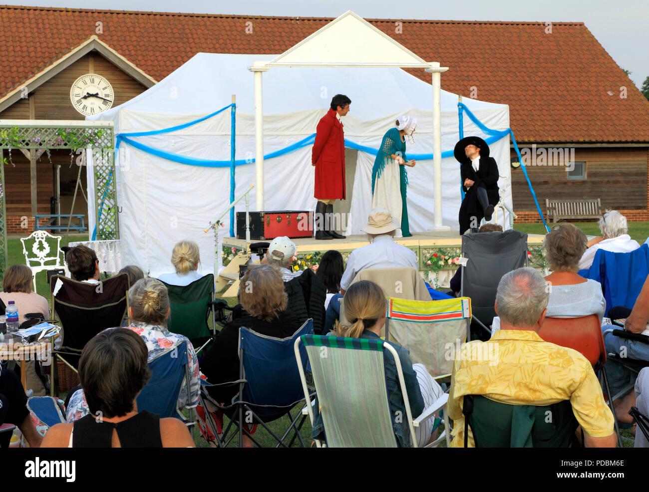 Open Air Theatre, Heartbreak Productions, Orgoglio e pregiudizio, pubblico, all'aperto, stadio,Thornham, Norfolk, Regno Unito Immagini Stock