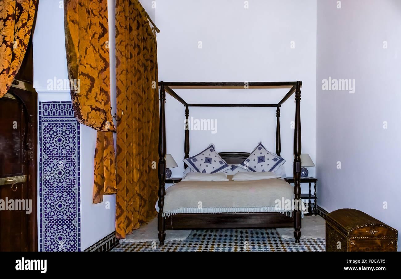Camere Da Letto Marocco : Marocchino tradizionale camera da letto con un letto a baldacchino