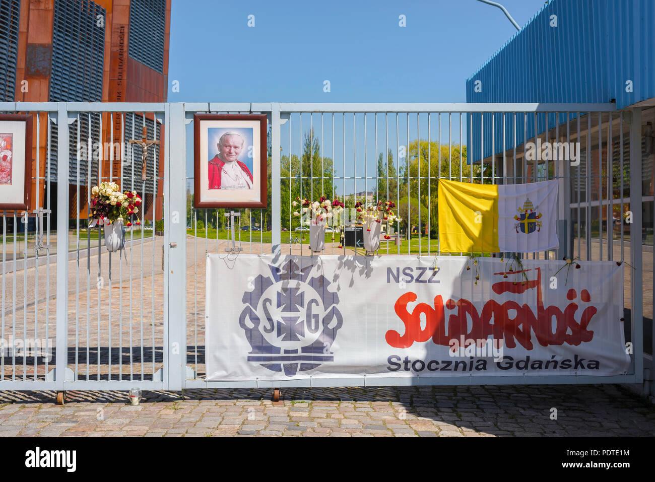 Porta il Cantiere di Danzica, vista dello storico numero 2 Porta del Cantiere di Danzica, sito del movimento di solidarietà colpisce nei primi anni ottanta, Polonia. Immagini Stock
