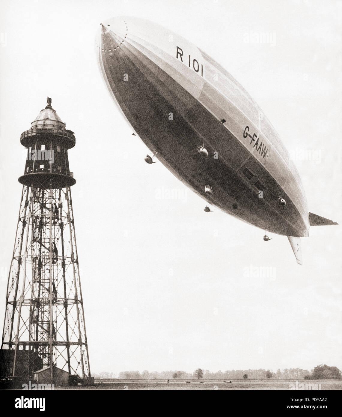 Il volo finale del British dirigibile rigido R101 che si è schiantato durante cattive condizioni meteorologiche in Francia nel 1930. 48 delle 54 persone a bordo perirono nell'incidente. Da questi straordinari anni, pubblicato in 1938. Immagini Stock