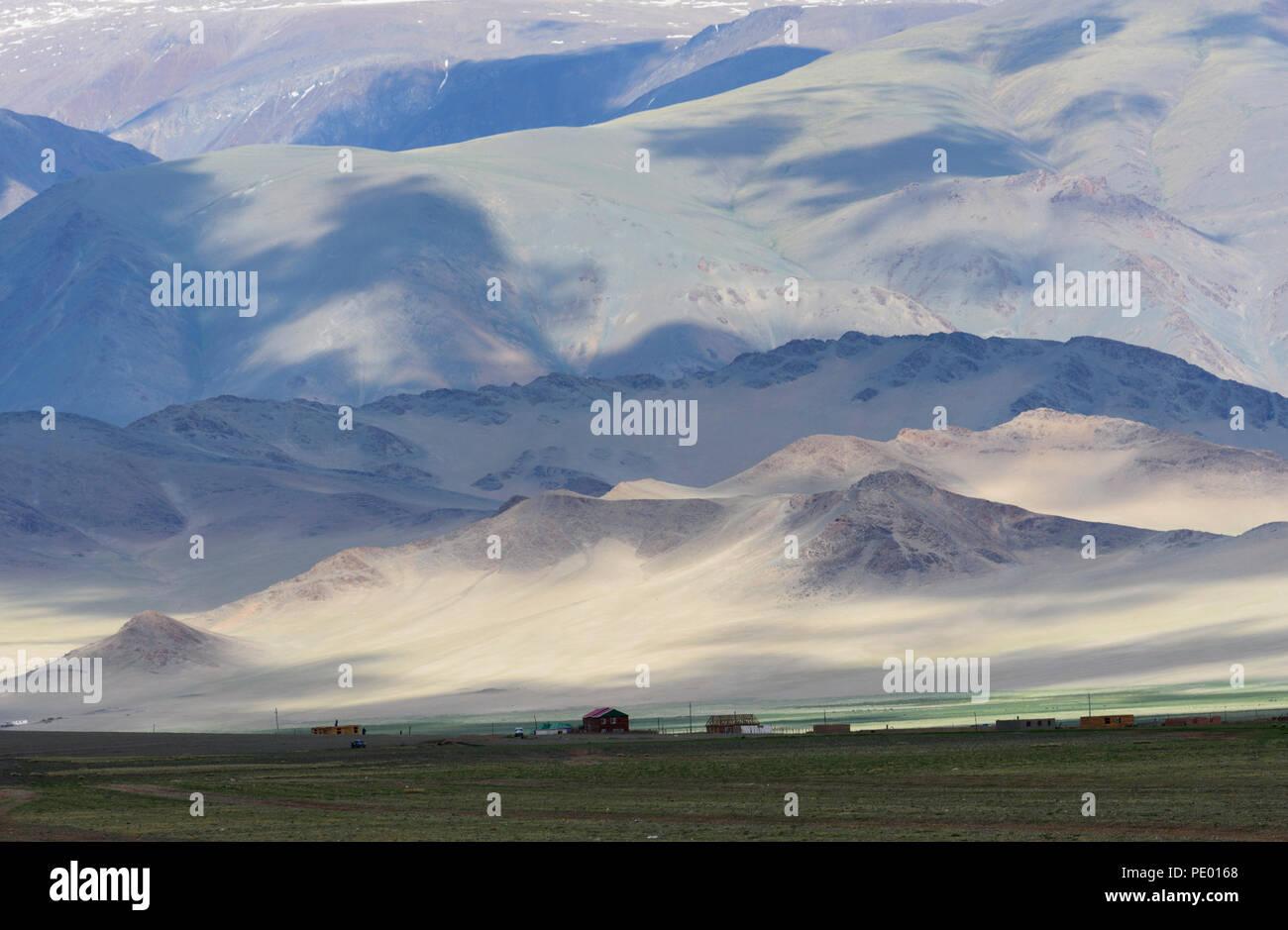 Paesaggio della provincia Bayan-Ölgii, Mongolia. Immagini Stock