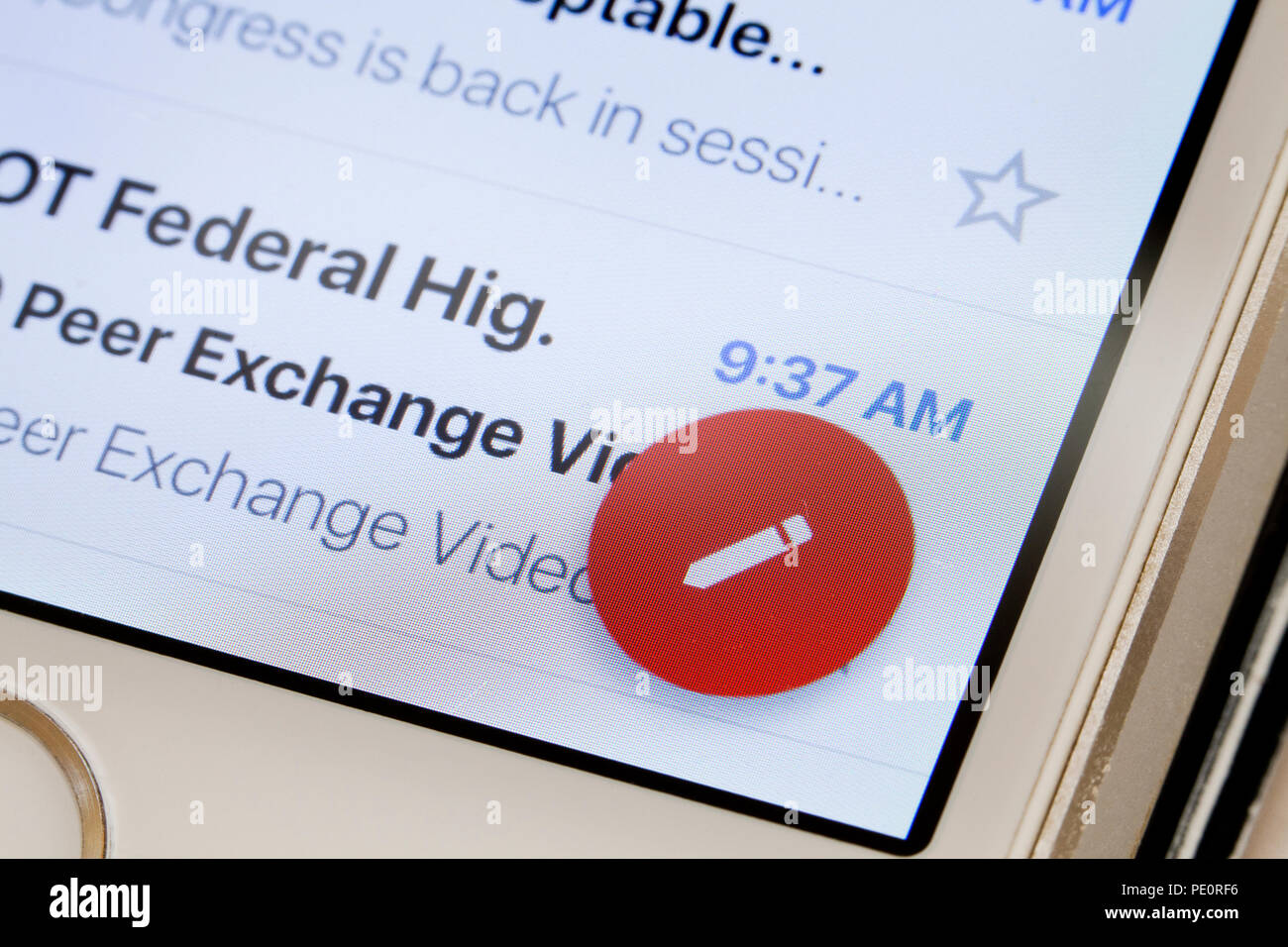 Gmail icona componi (e-mail comporre icona penna) close up Immagini Stock