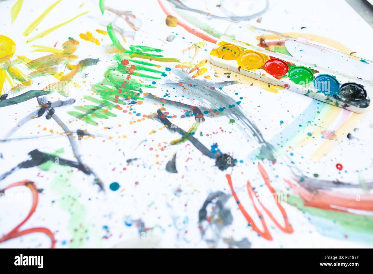 Disegno Per Bambini In Un Colorato Di Colori Chiudere Vista Dall
