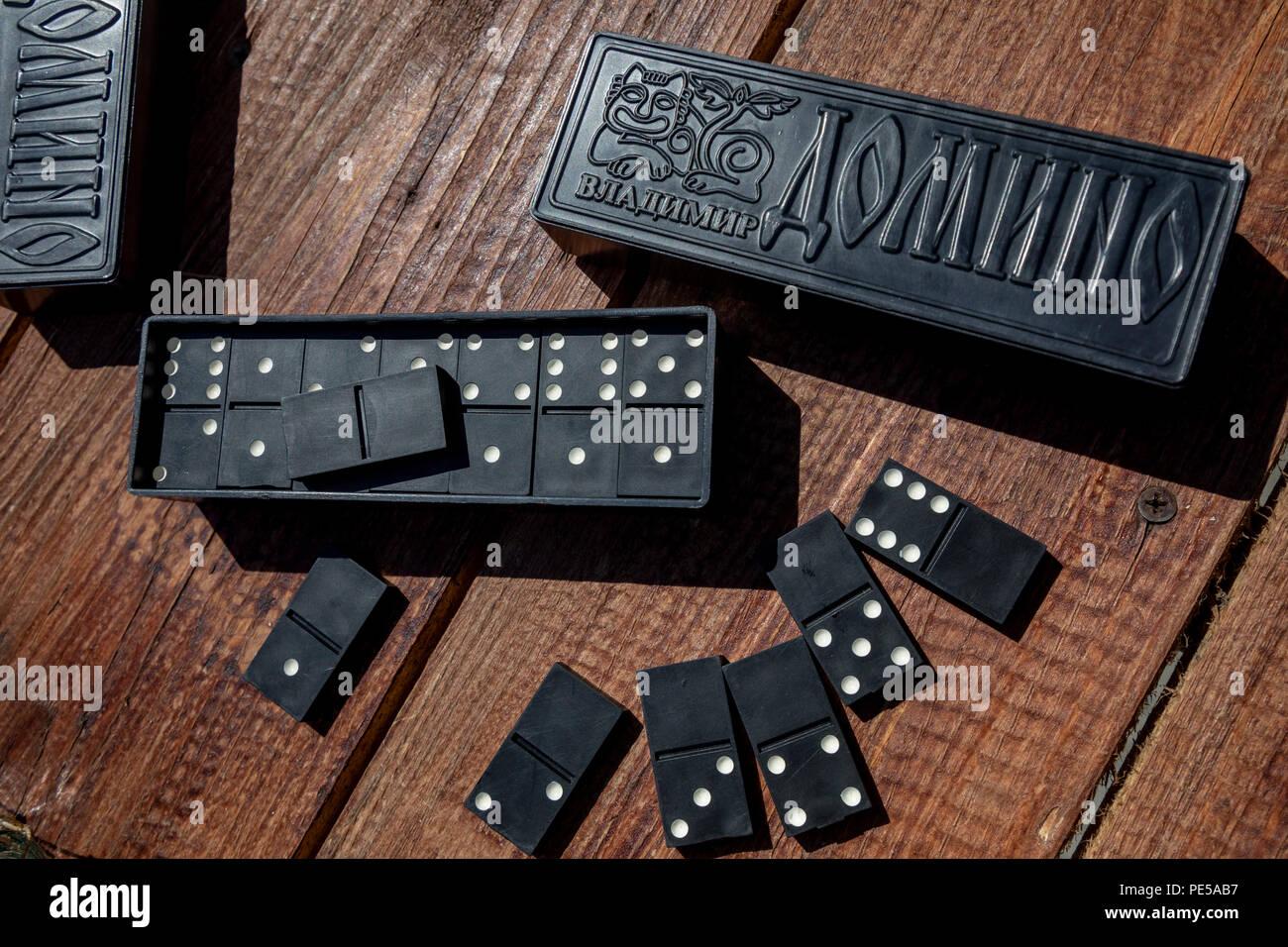 Domino sovietica chips e nella casella Immagini Stock