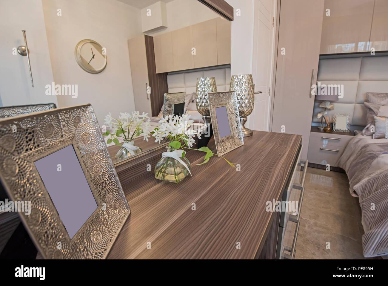 Arredare Camera Con Divano Letto : Interior design decor e arredamento di lusso show home camera con