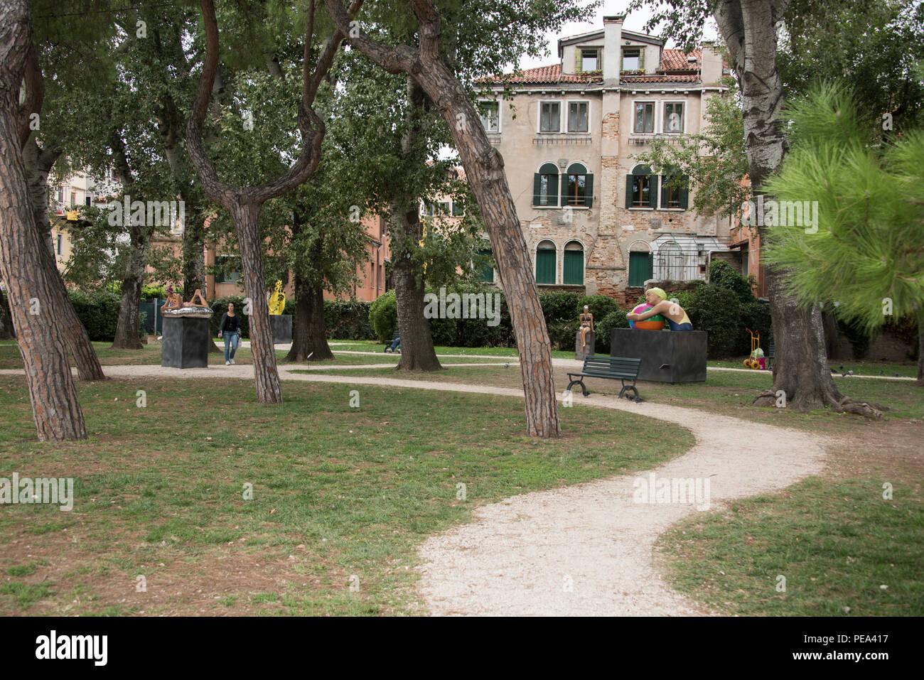 Biennale di Venezia aria aperta mostra a Venezia, 2017 dotate di Carole Feuerman di lavoro in Giardini della Marinaressa, Riva dei Sette Martiri, Venezia Immagini Stock