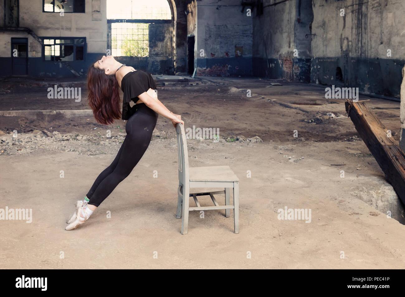 Lato di lunghezza completa della ballerina ,Istanbul Immagini Stock