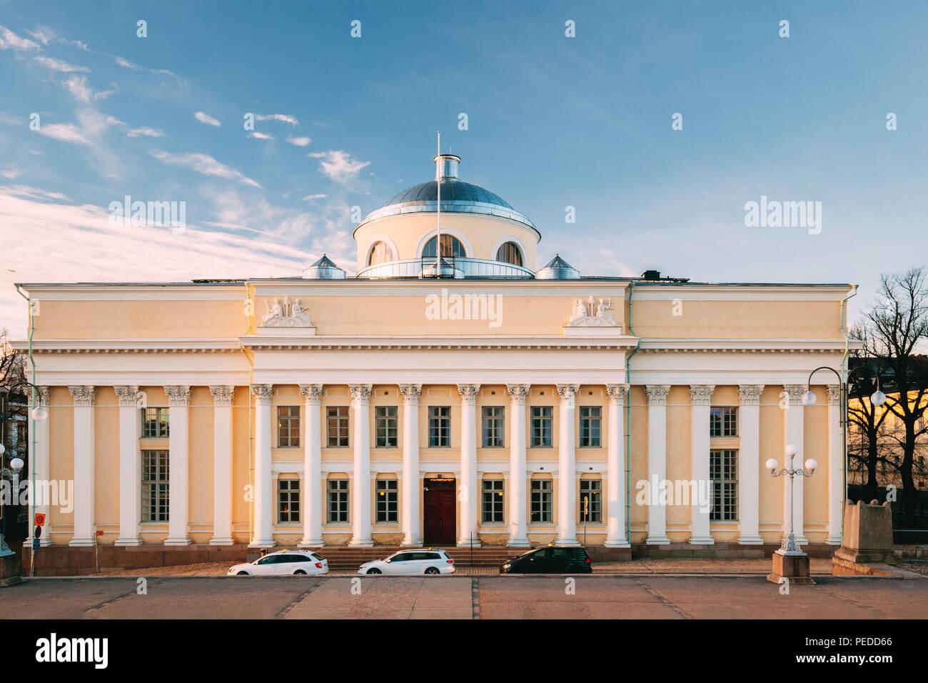 Helsinki, Finlandia. Vista della Biblioteca nazionale della Finlandia. Dal punto di vista amministrativo la biblioteca è parte dell'Università di Helsinki. Famoso punto di riferimento. Immagini Stock