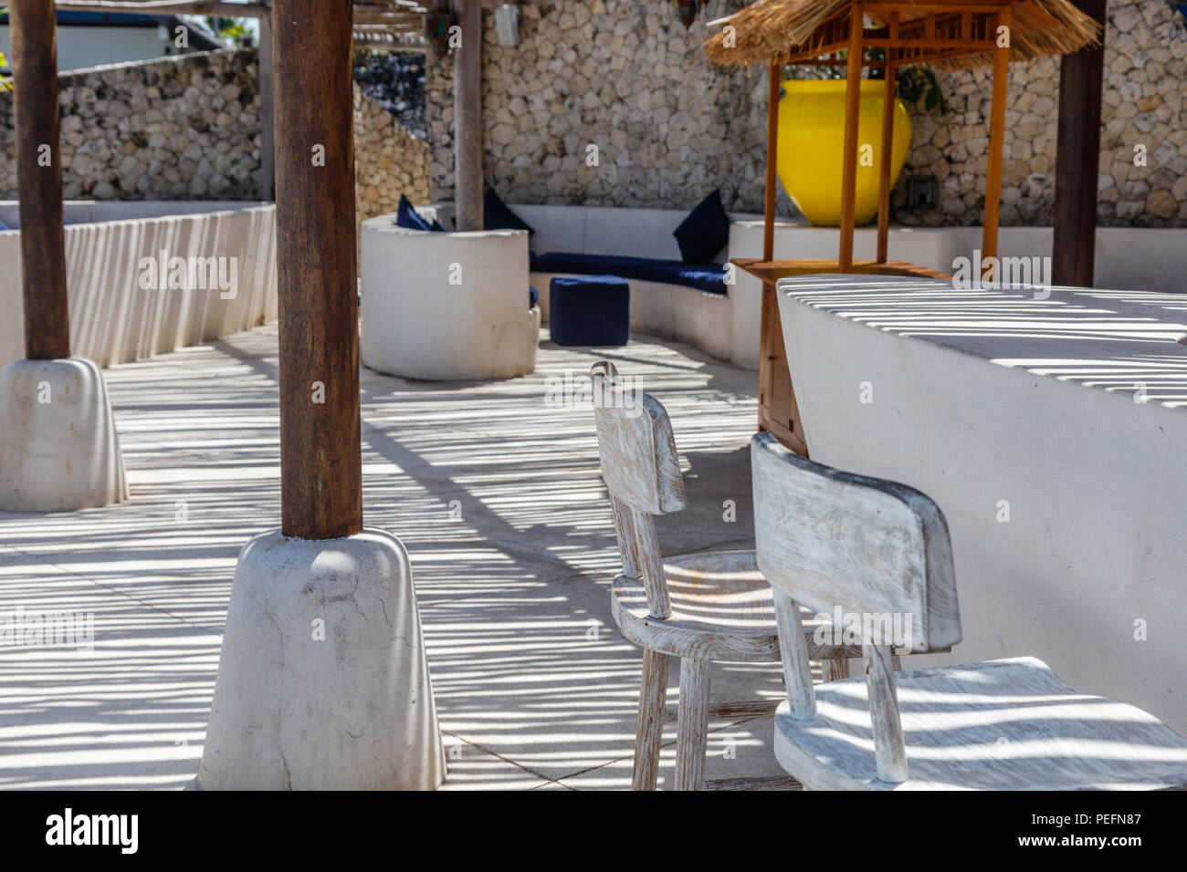 Pavimenti Rustici In Legno : Lo stile mediterraneo interno in giallo bianco e blu con rustici