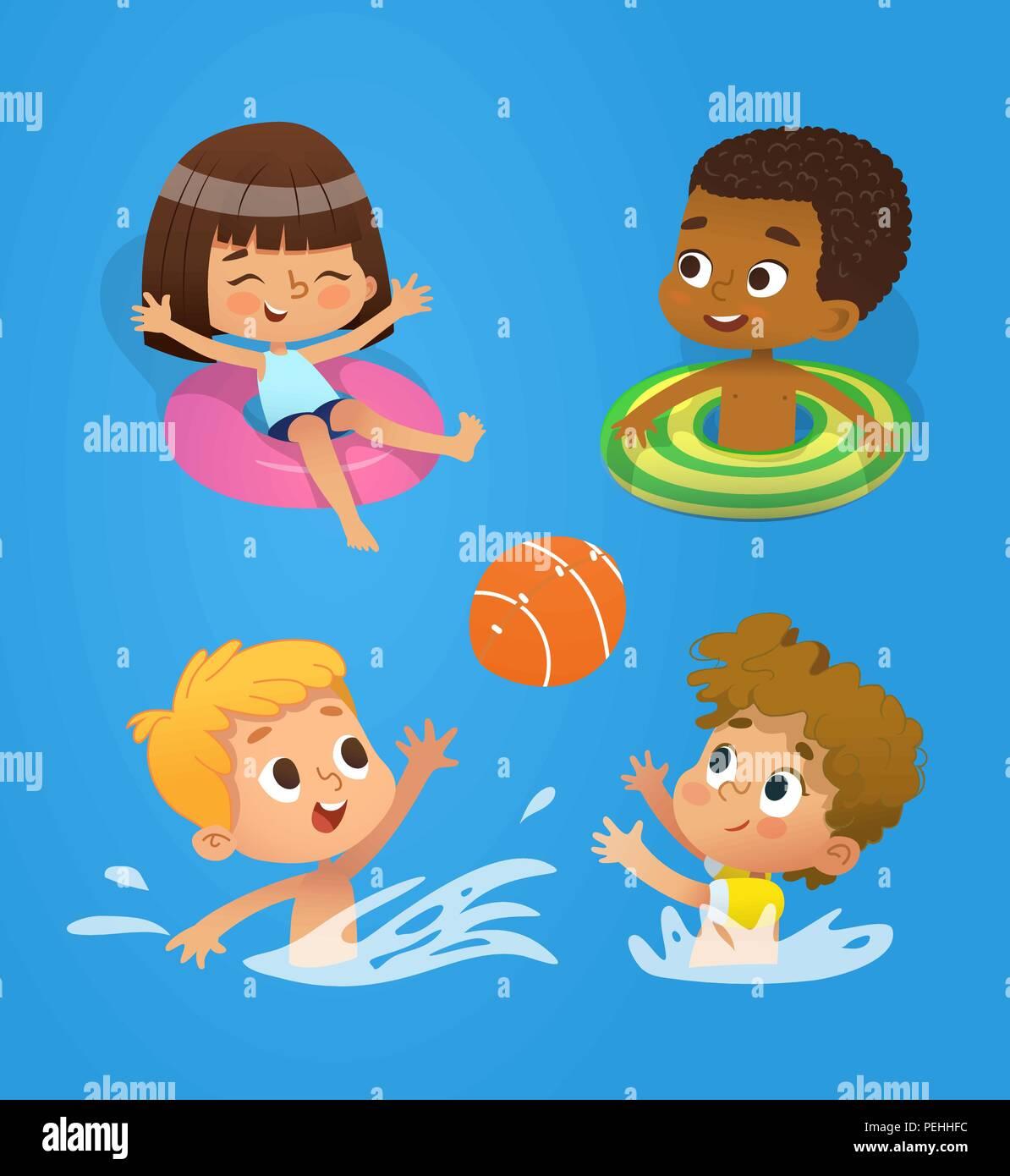 Carattere Della Piscina E Multirazziale I Bambini Si Divertono In