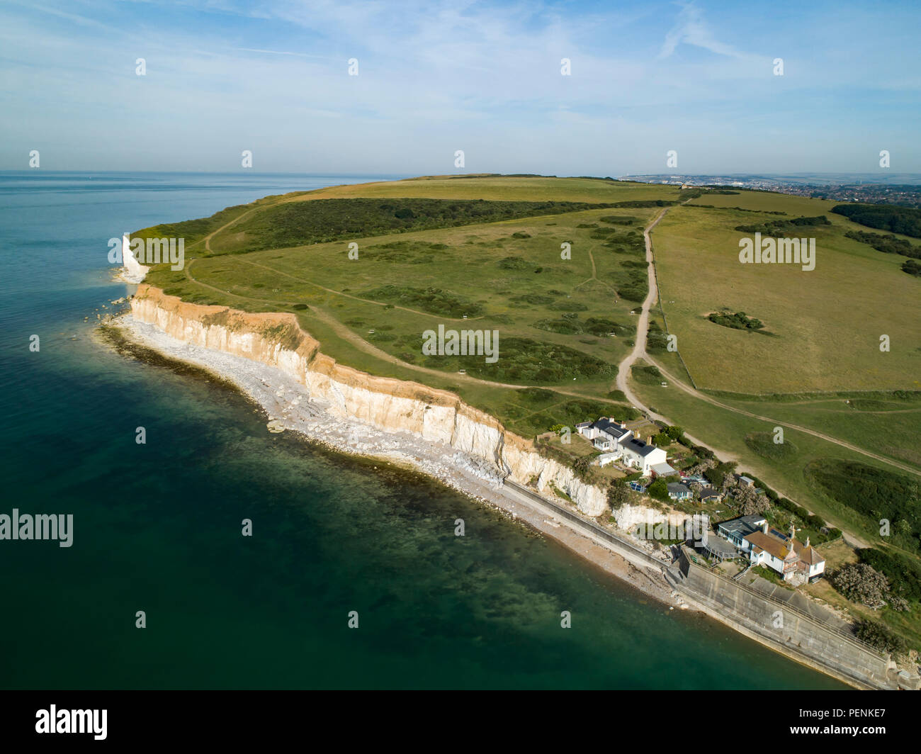 Drone immagine del Cuckmere Haven con coastguard cottages Seaford testa. Sussex, Inghilterra Foto Stock