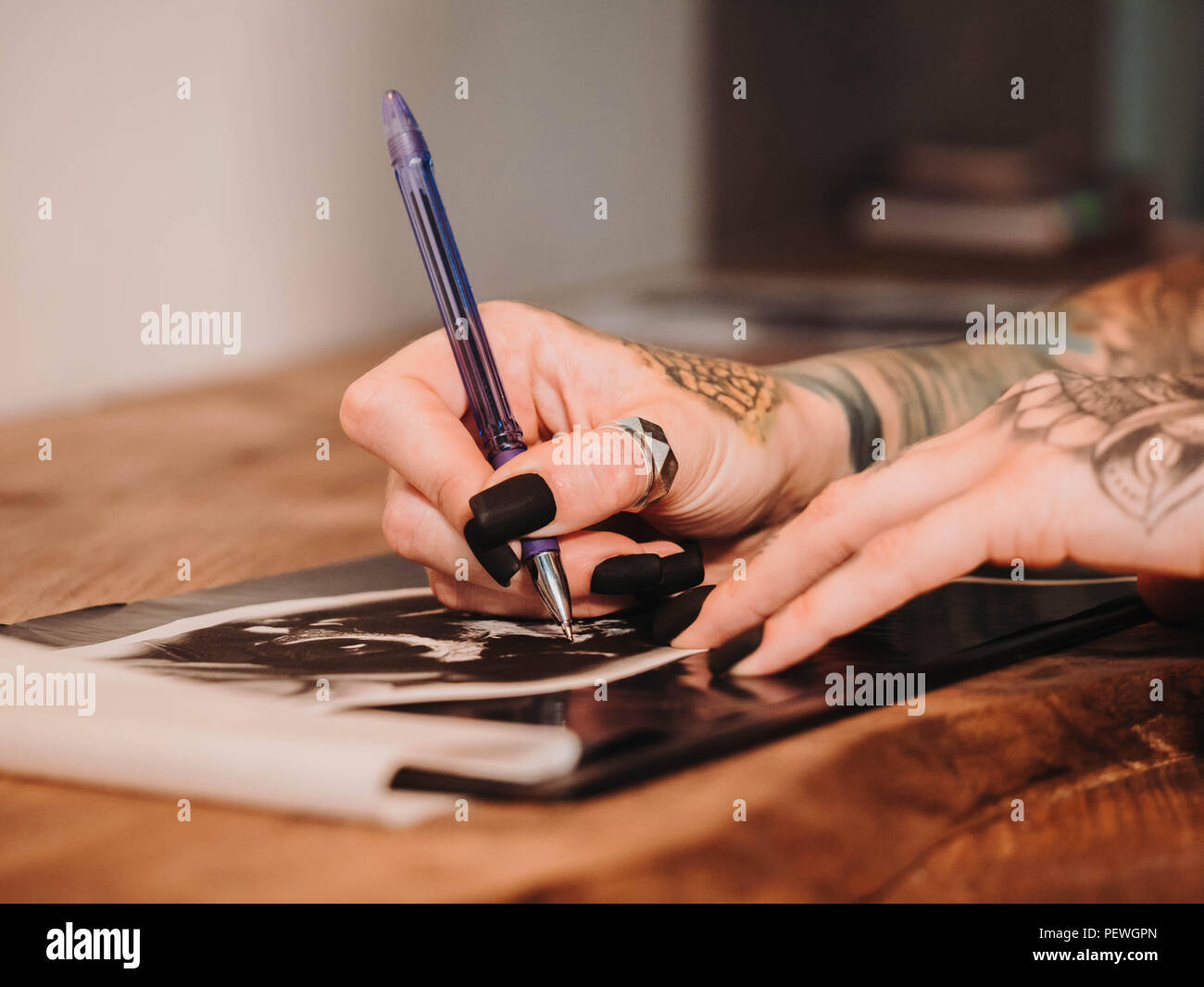 Tattoo Artist Illustrazione Di Disegno Del Cranio All Interno Di