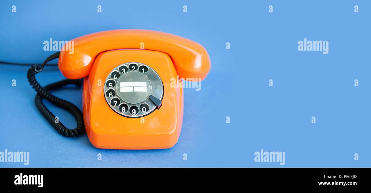 Telefono Retrò Di Colore Arancione Vintage Ricevitore Il Ricevitore