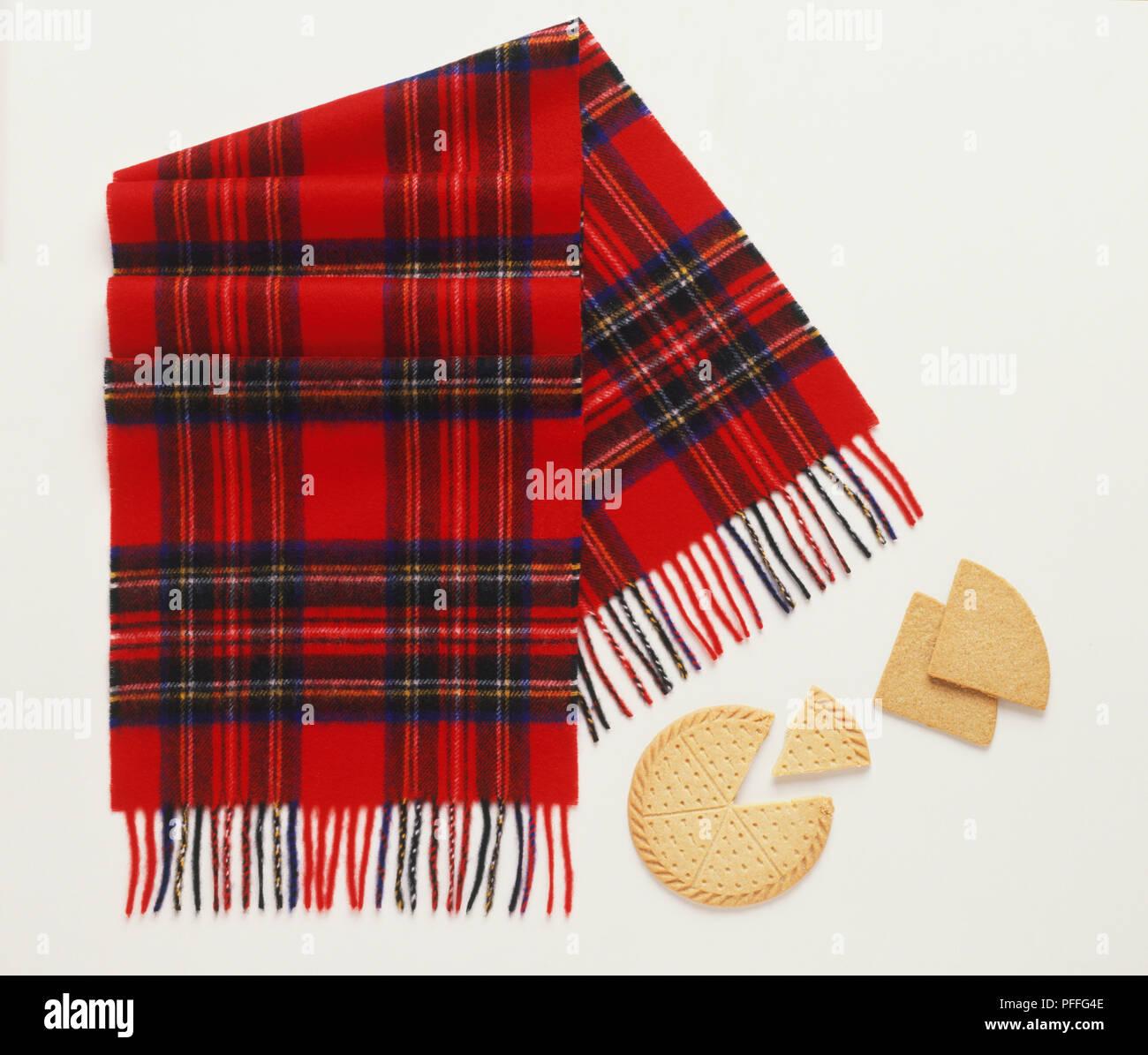 scopri le ultime tendenze Super sconto ultimo design In tartan rosso sciarpa, Pastafrolla scozzese triangoli ...