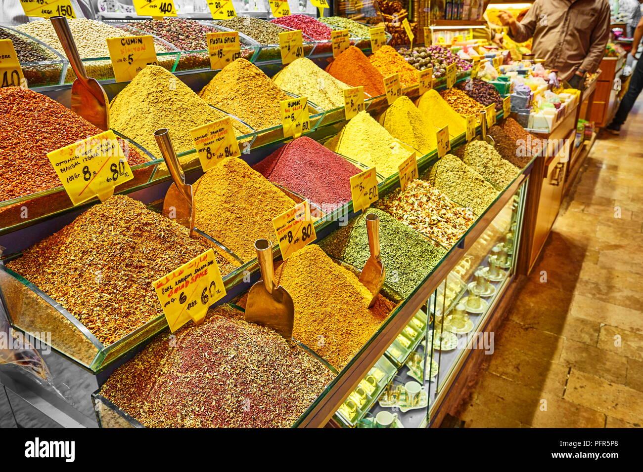 Spezie nel il Bazaar Egiziano, Istanbul, Turchia Immagini Stock