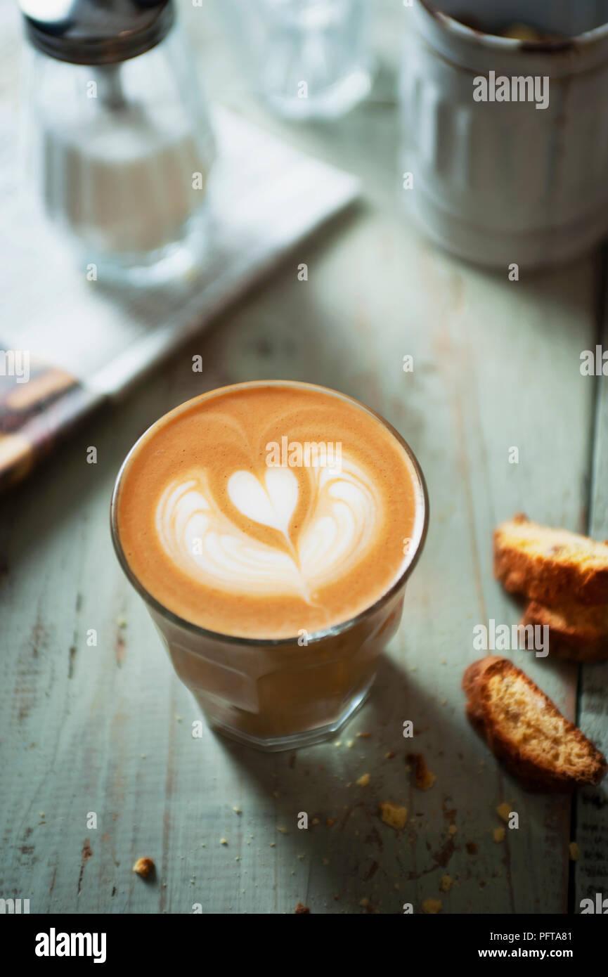 Rosetta cuore, latte art Immagini Stock