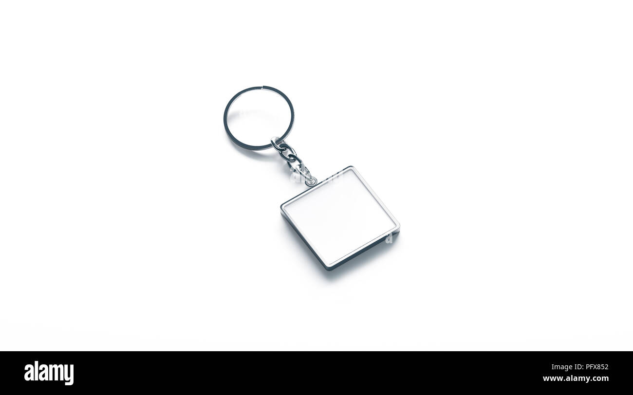 Metallo bianco bianco quadrato chiave catena mock up vista laterale, rendering 3d. Argento chiaro design portachiavi mockup isolato. Vuoto portachiavi semplice titolare di souvenir modello. Acciaio etichetta gingillo Immagini Stock