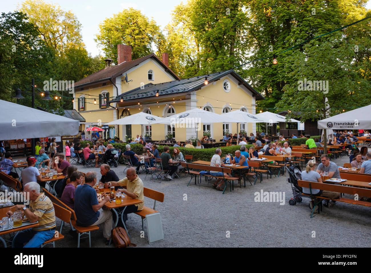 Giardino della birra Zum Flaucher, Sendling, Monaco di Baviera, Baviera, Baviera, Germania Immagini Stock