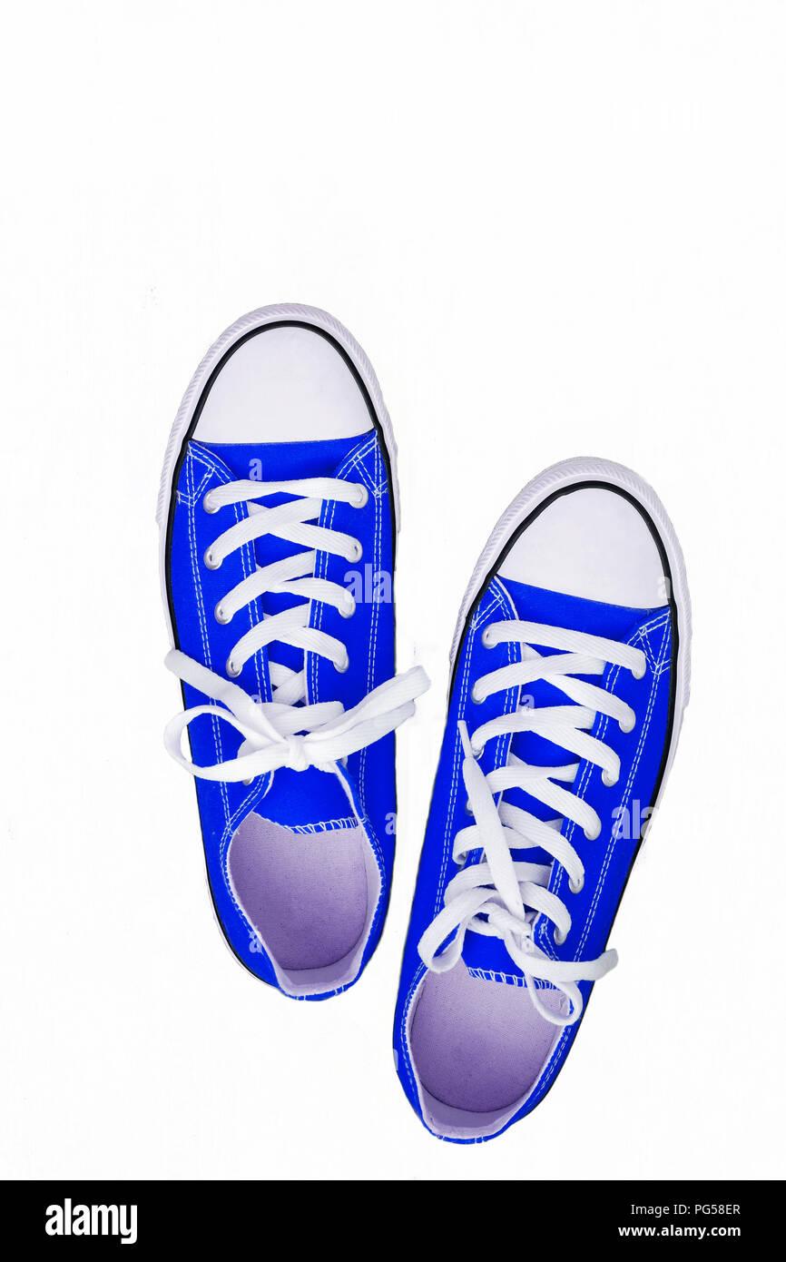 brand new 6957f 92a5e Coppia di sneakers-gioventù colorate scarpe da corsa su uno ...