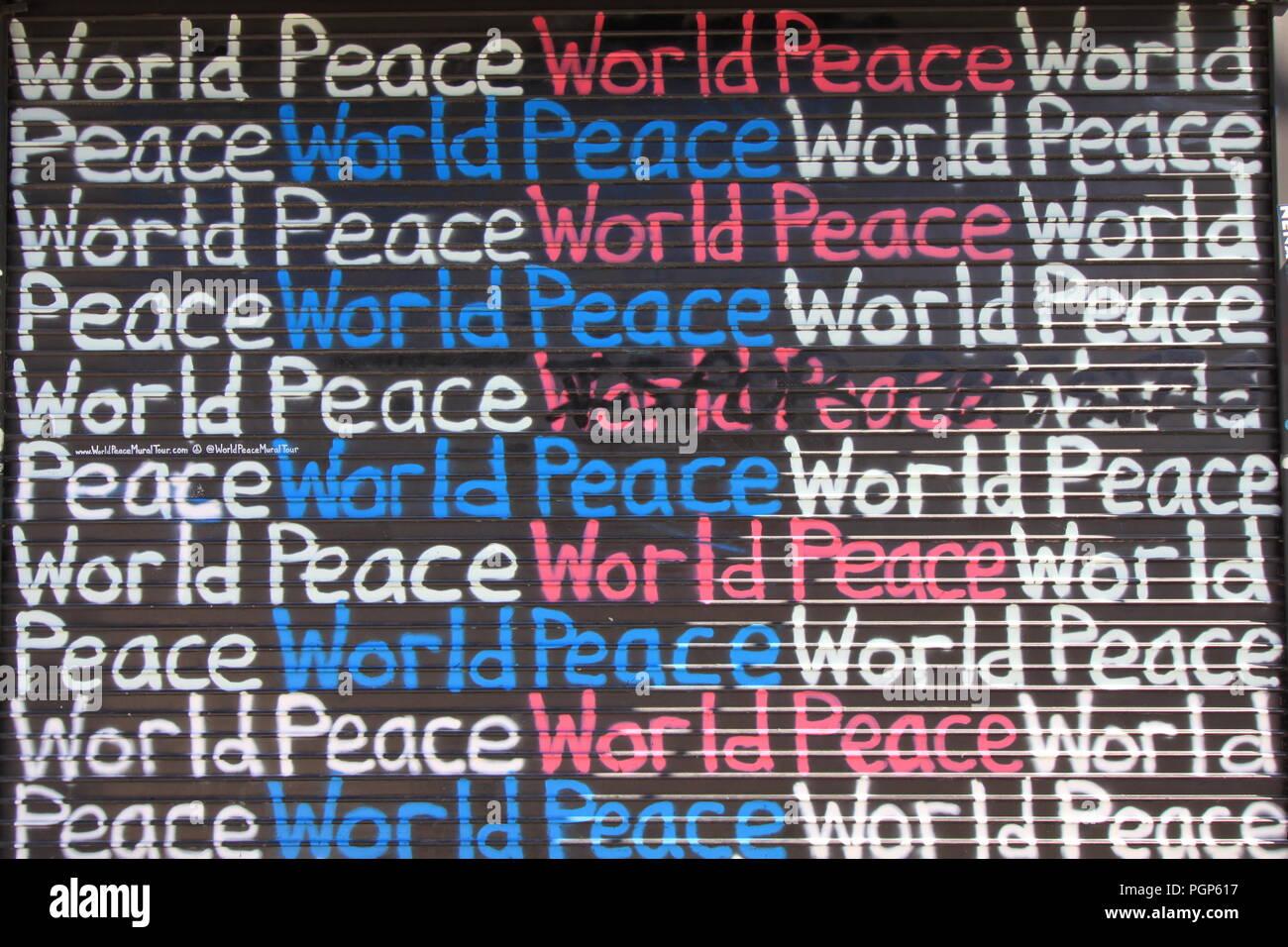 La pace nel mondo carta murale in Design District Miami Florida Immagini Stock