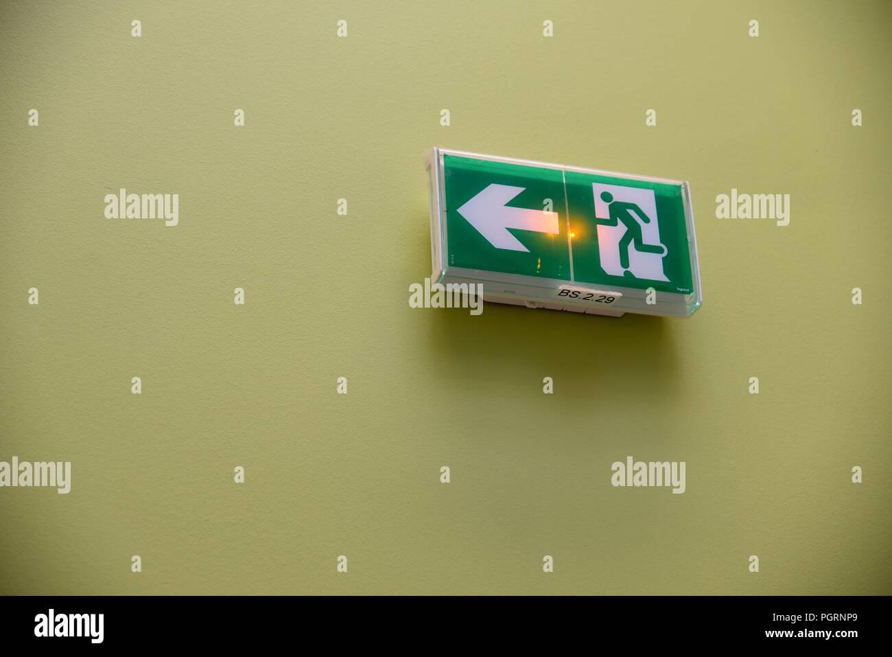 Segnale di uscita un segnale di uscita con una freccia