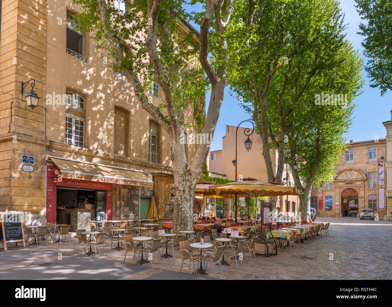 Aix en Provence, cafe. L'Archeveche ristorante/caffetteria sulla Place des Martyrs de la resistenza, Aix-en-Provence, Provenza, Francia Immagini Stock